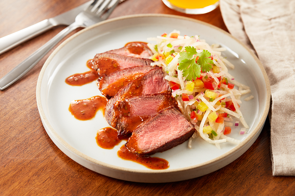 Aussie sliced Steak with Jicama and Chipotle Honey Vinagrette