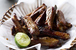 Pan-fried lamb ribs in honey and red pepper paste
